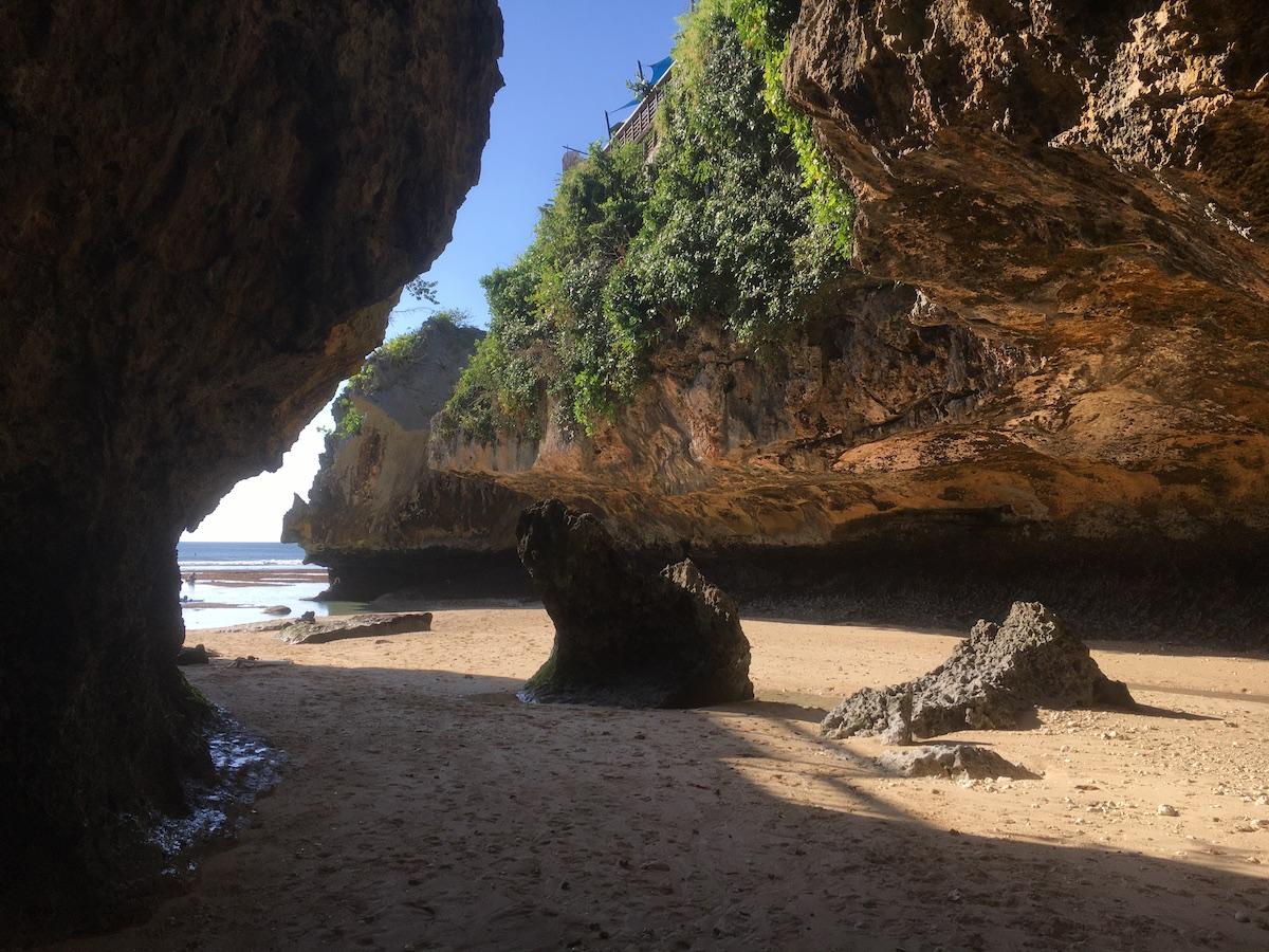 潮が引いたロータイドの時には、こんな素敵な砂浜がまちかまえています。