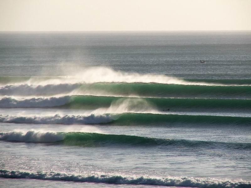 アウトサイドインポッシブルの波、この画像は風が強い日です。こういう日はテイクオフが中々落ちていきません。