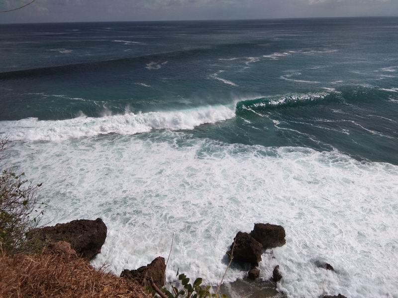 違う角度から見たパダンの波。(真上から)