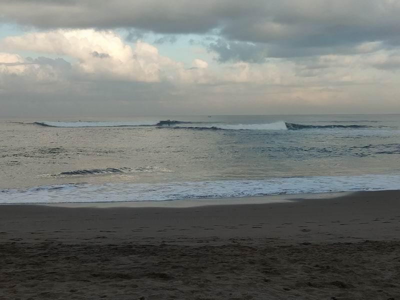 まずはロングに人気の一番やさしいバトゥーボロンの波