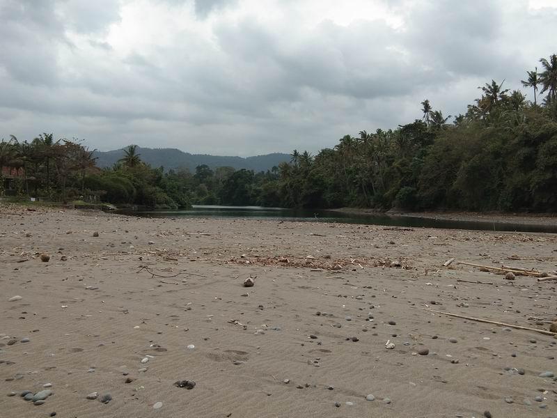 これがバリアンの川、リバーマウスポイントですがボトムはリーフ