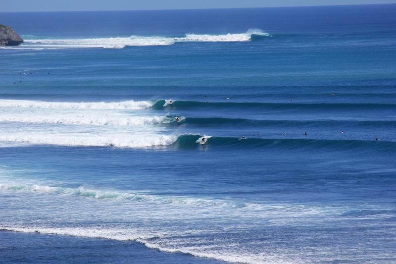 意外にもメローな波、お隣のパダンパダン、ビンギンよりこちらの方が簡単な波です。