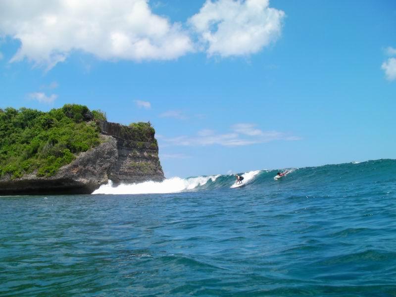 波のサイズが胸~肩位だとメローな波で初心者に大人気スポット